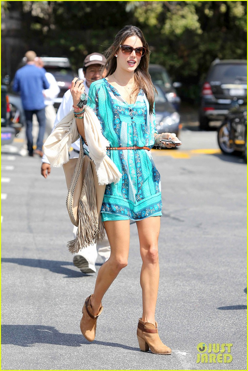 alessandra ambrosio tips to channel your inner bombshell 072836887