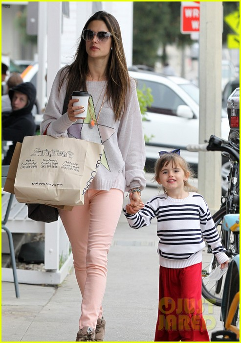 alessandra ambrosio fred segal shopper 112833204