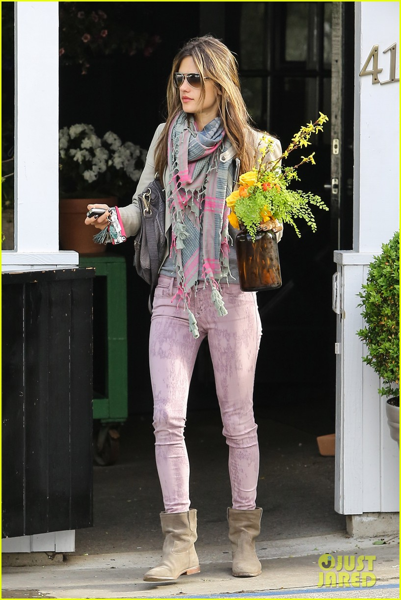 alessandra ambrosio brentwood country mart beauty 012840996