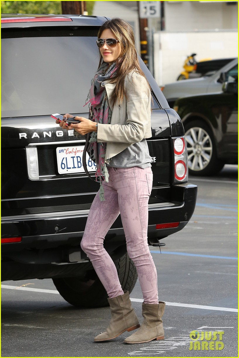 alessandra ambrosio brentwood country mart beauty 092841004