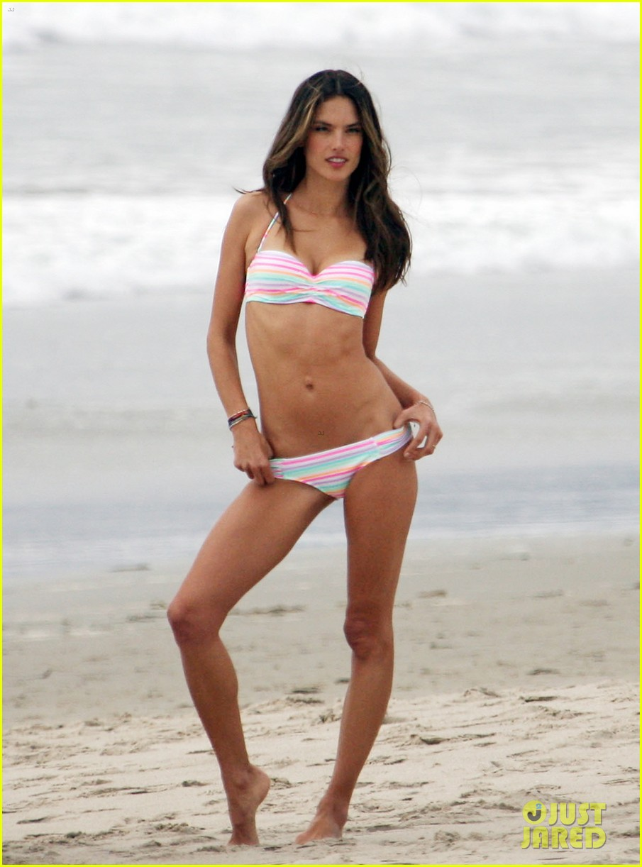alessandra ambrosio bikini photo shoot in venice beach 012826445