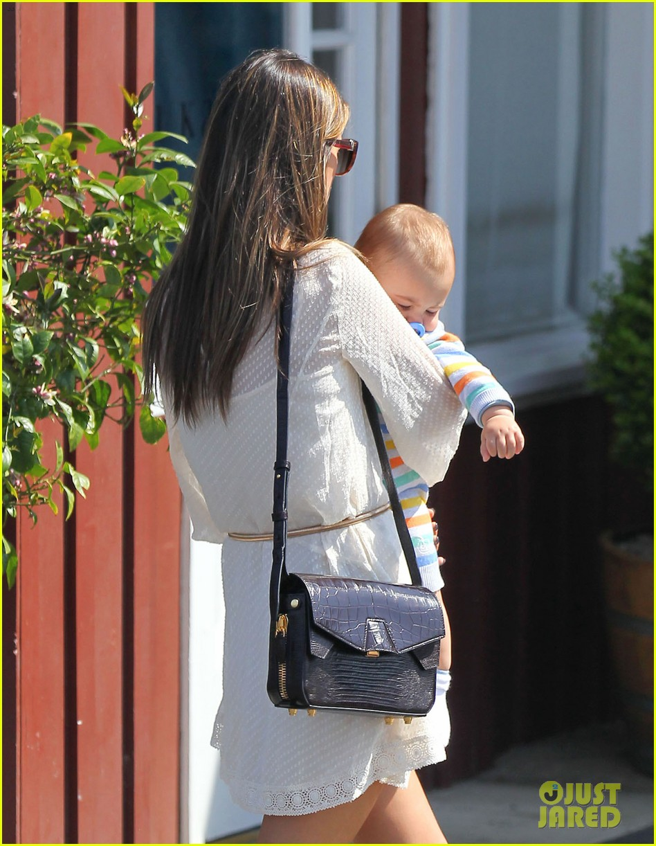 alessandra ambrosio country mart with the kids 132837839