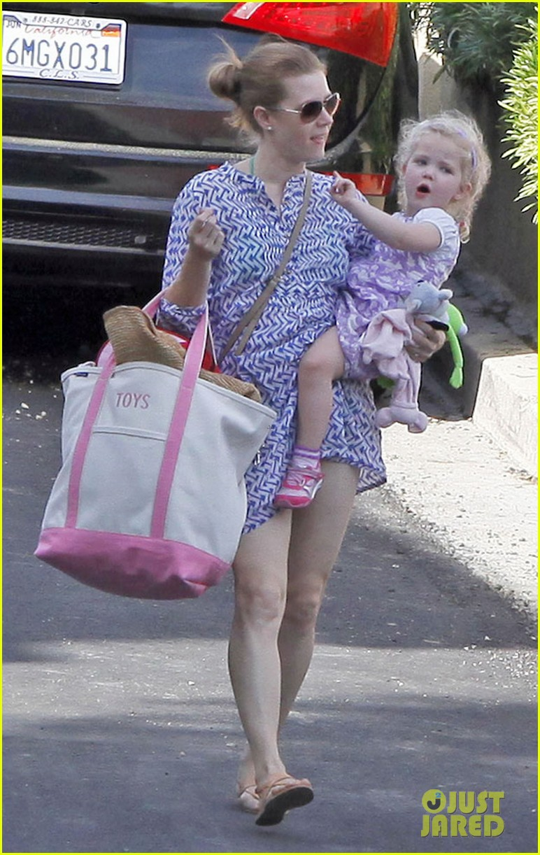 amy adams pool party with daughter aviana 042824110