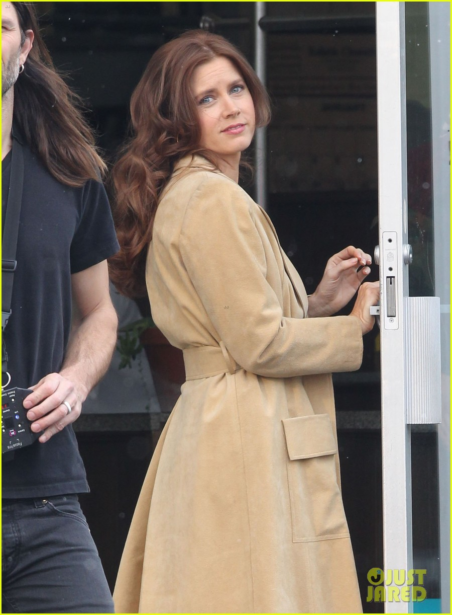 christian bale comb over cut for abscam with amy adams 022835309