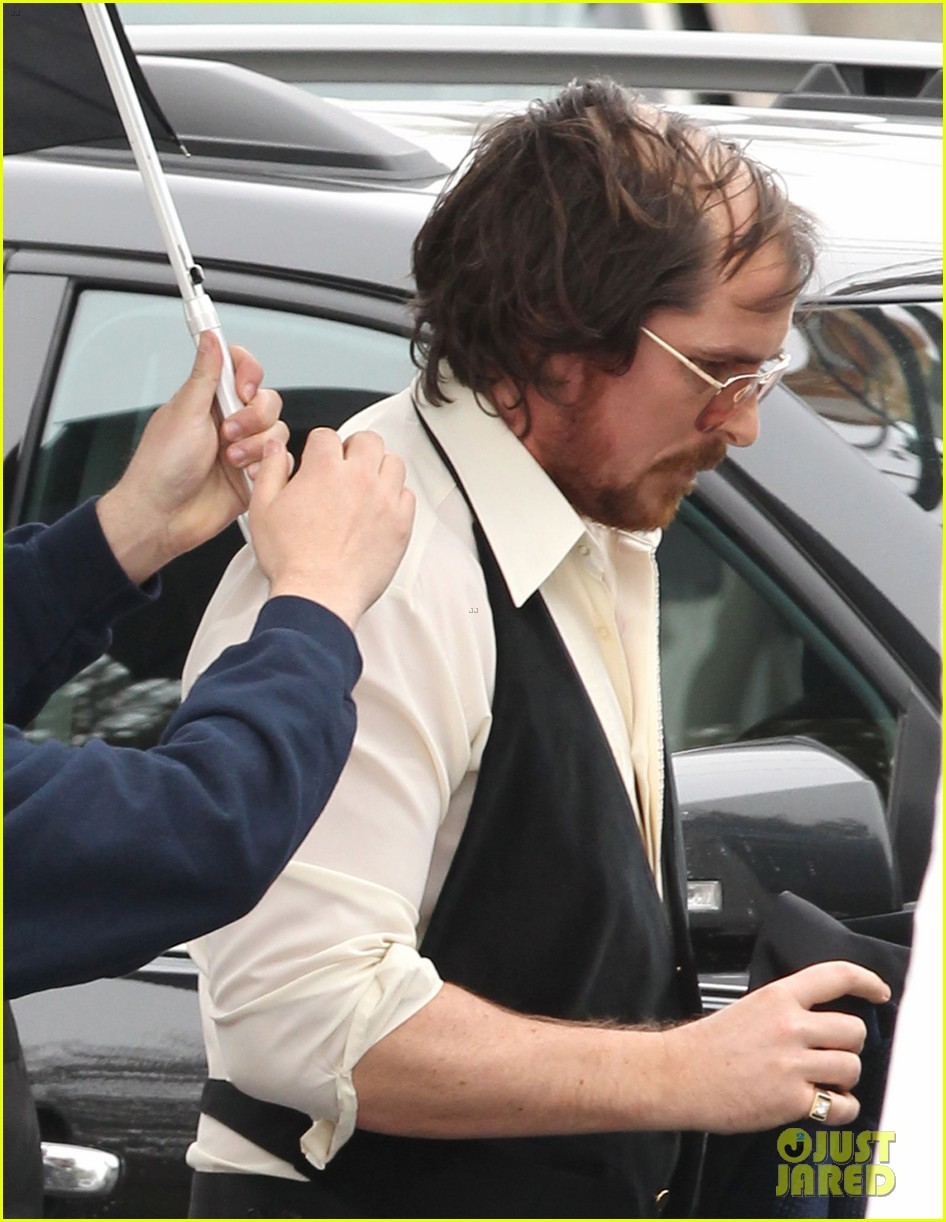 christian bale comb over cut for abscam with amy adams 042835311