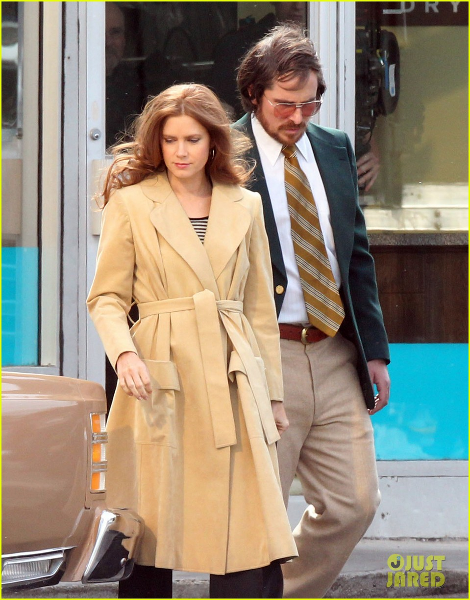 christian bale comb over cut for abscam with amy adams 16