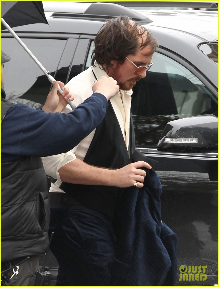 christian bale comb over cut for abscam with amy adams 222835329