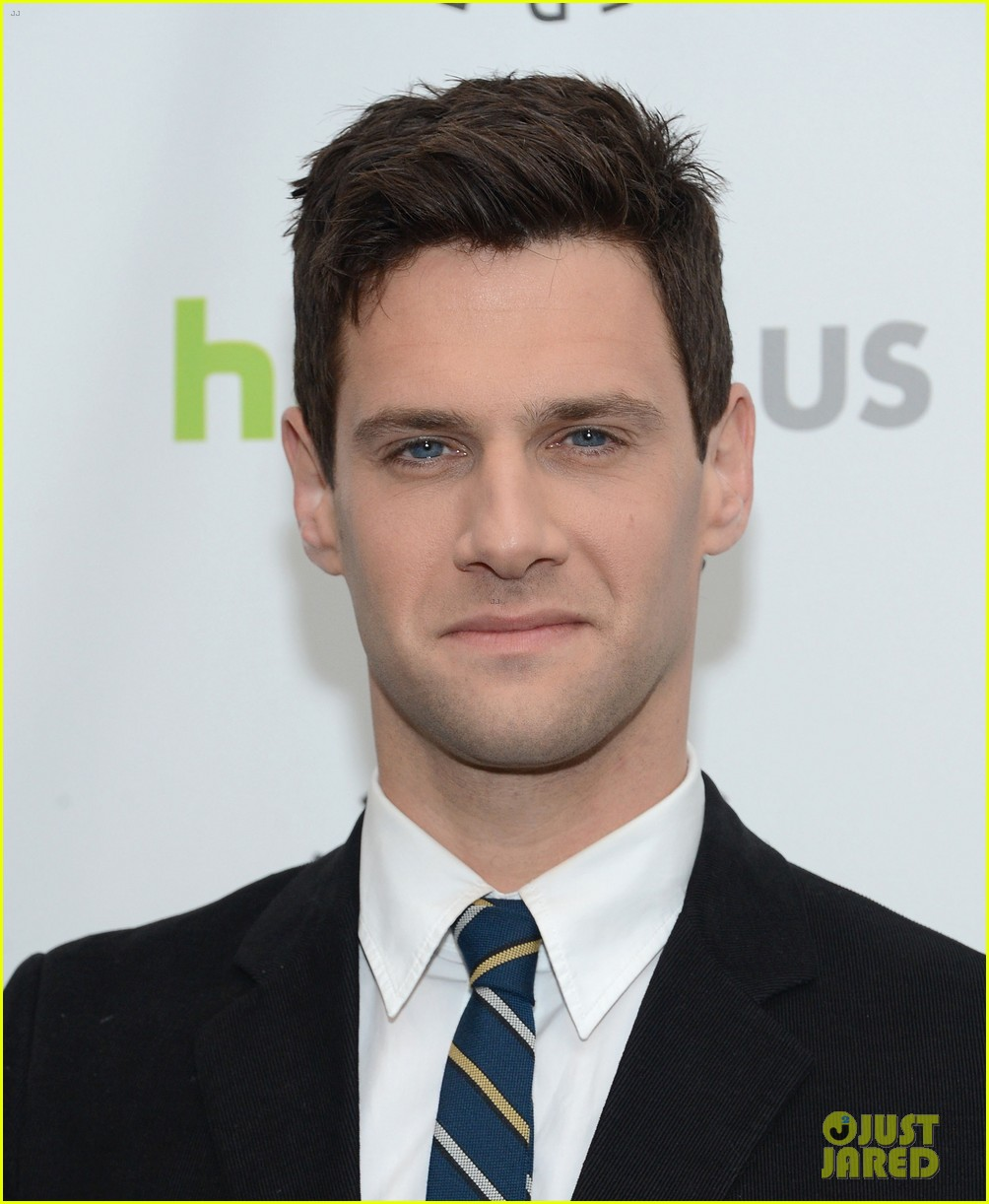 justin bartha andrew rannells new normal at paleyfest 242826559