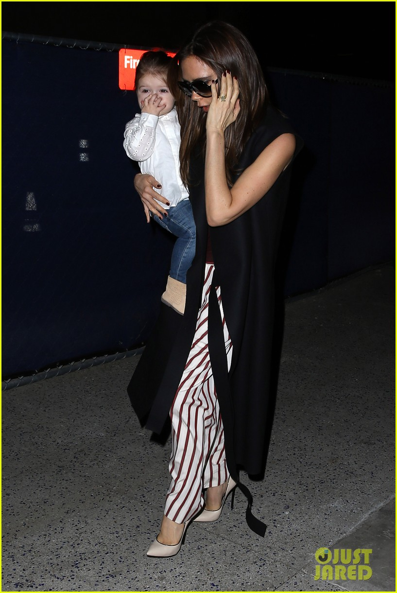 victoria beckham kids arrive in la david beckham practices in paris 06