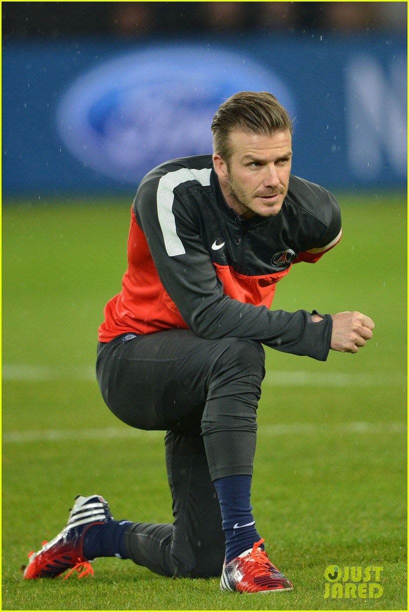 david beckham cheers on the sidelines for psg 23