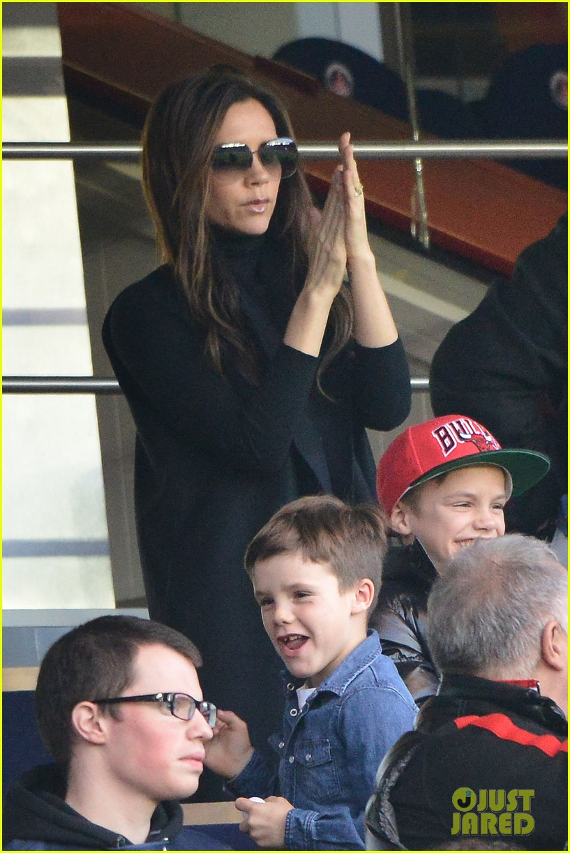 victoria beckham kids cheer on david beckham 042828409