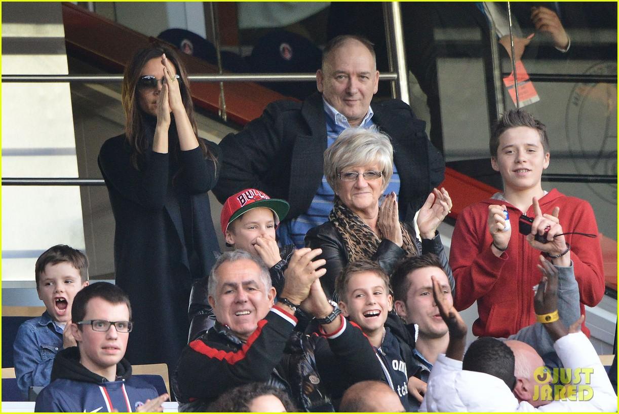 victoria beckham kids cheer on david beckham 072828412