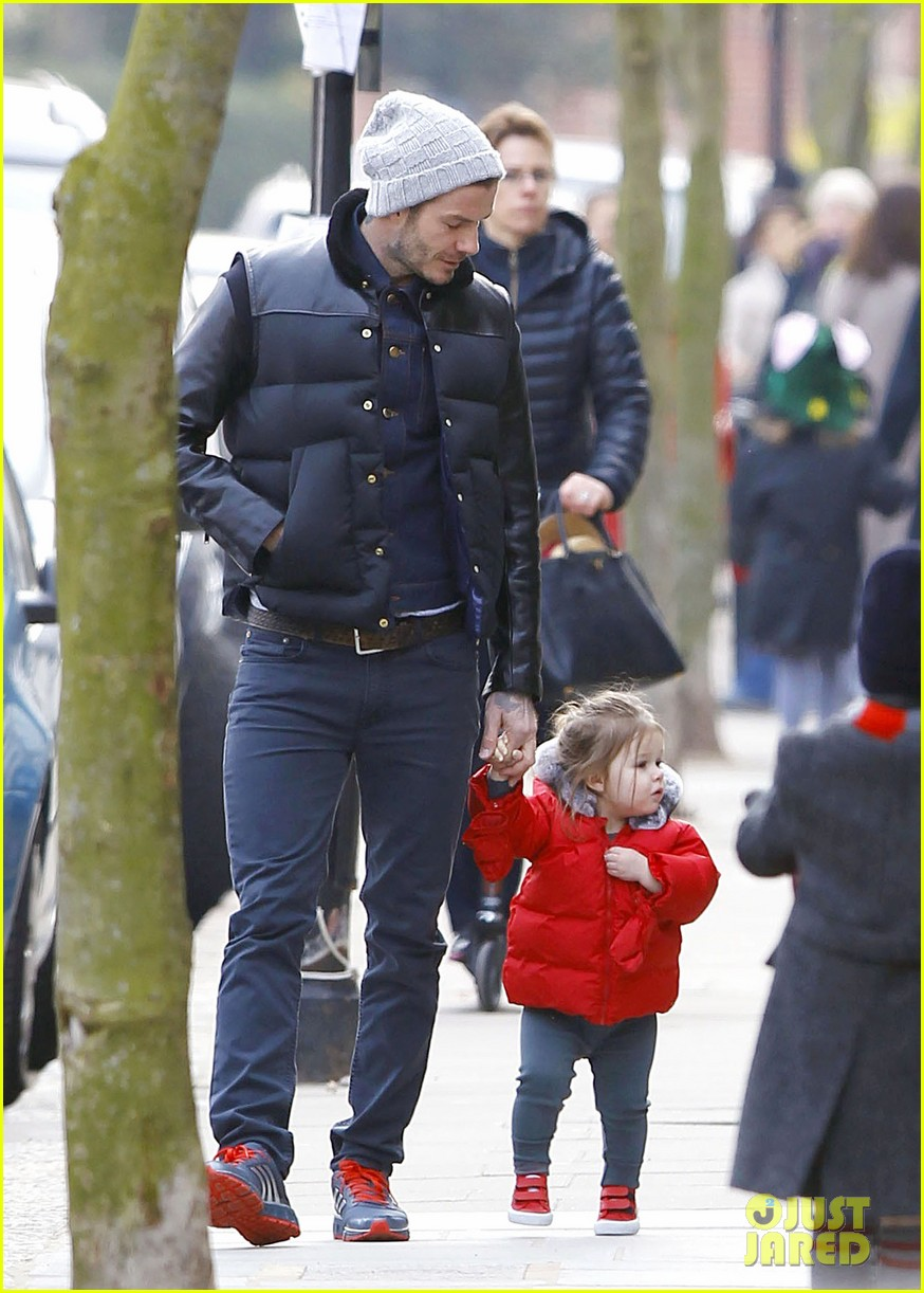 david beckham holding hands with harper 162838668