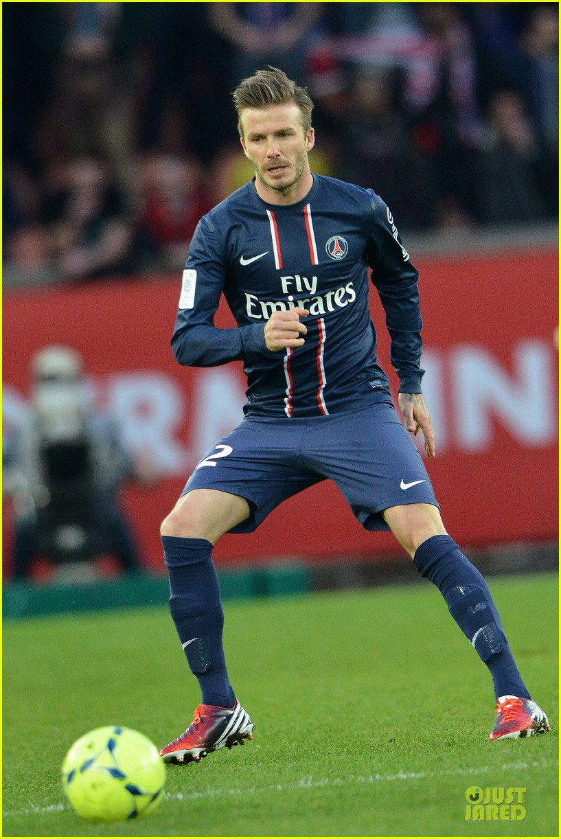 david beckham shirtless soccer match 012827879
