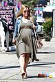kristen bell baby bumpin monday 01