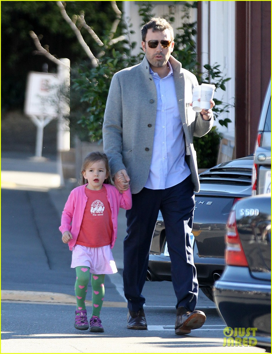 ben affleck breakfast stop with seraphina 122823072