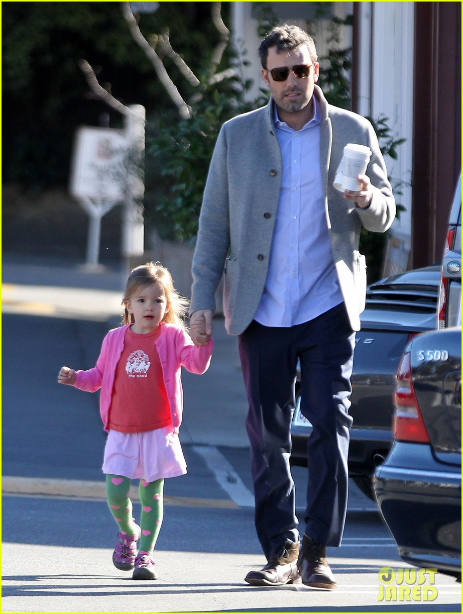 ben affleck breakfast stop with seraphina 142823074