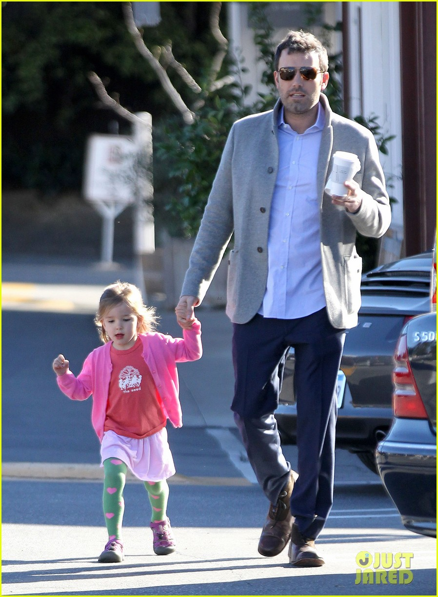 ben affleck breakfast stop with seraphina 152823075