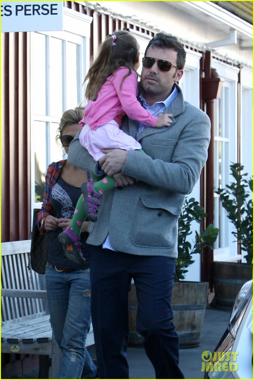 ben affleck breakfast stop with seraphina 322823092