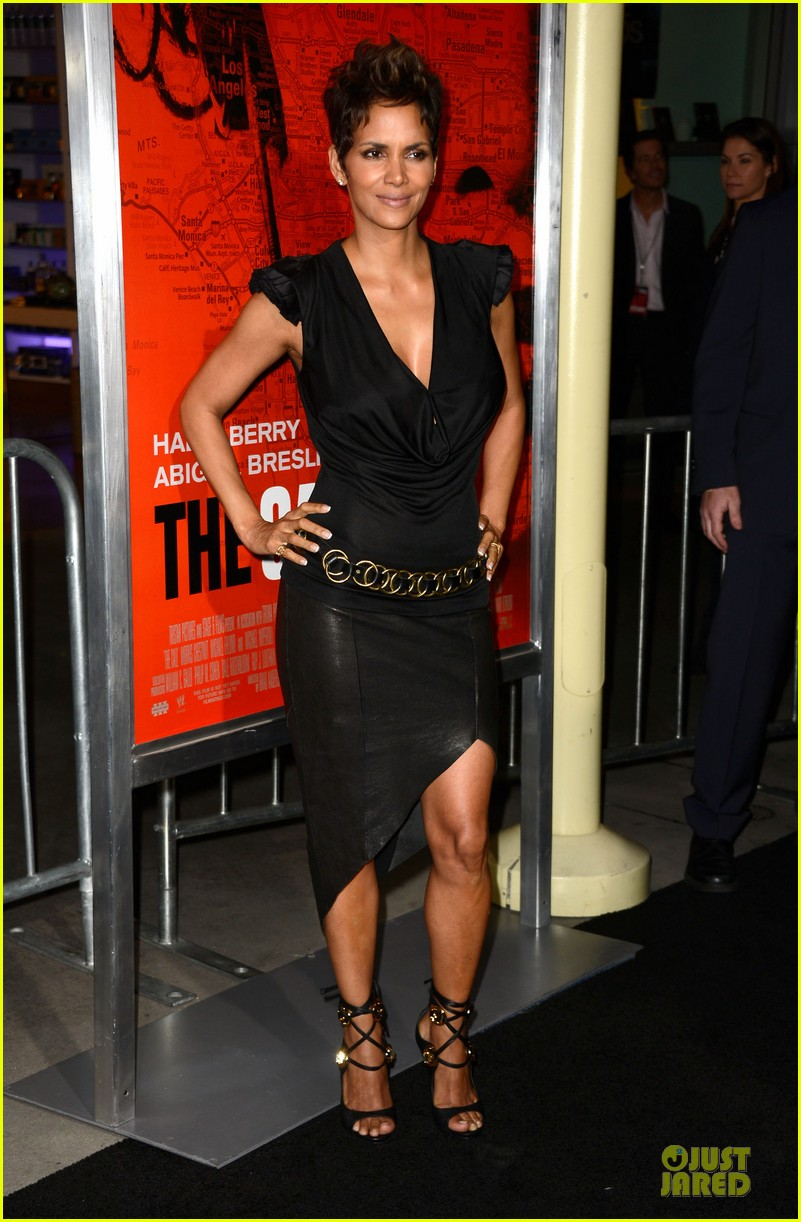 halle berry abigail breslin the call hollywood premiere 052825772
