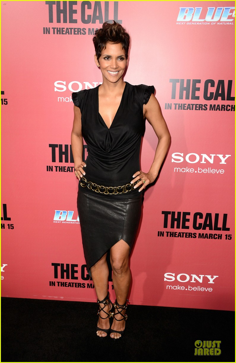 halle berry abigail breslin the call hollywood premiere 072825774