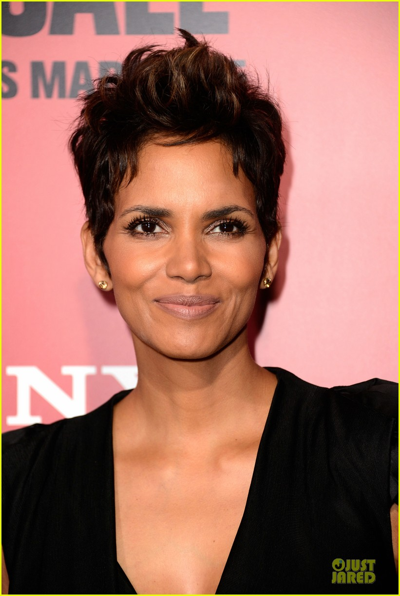 halle berry abigail breslin the call hollywood premiere 082825775