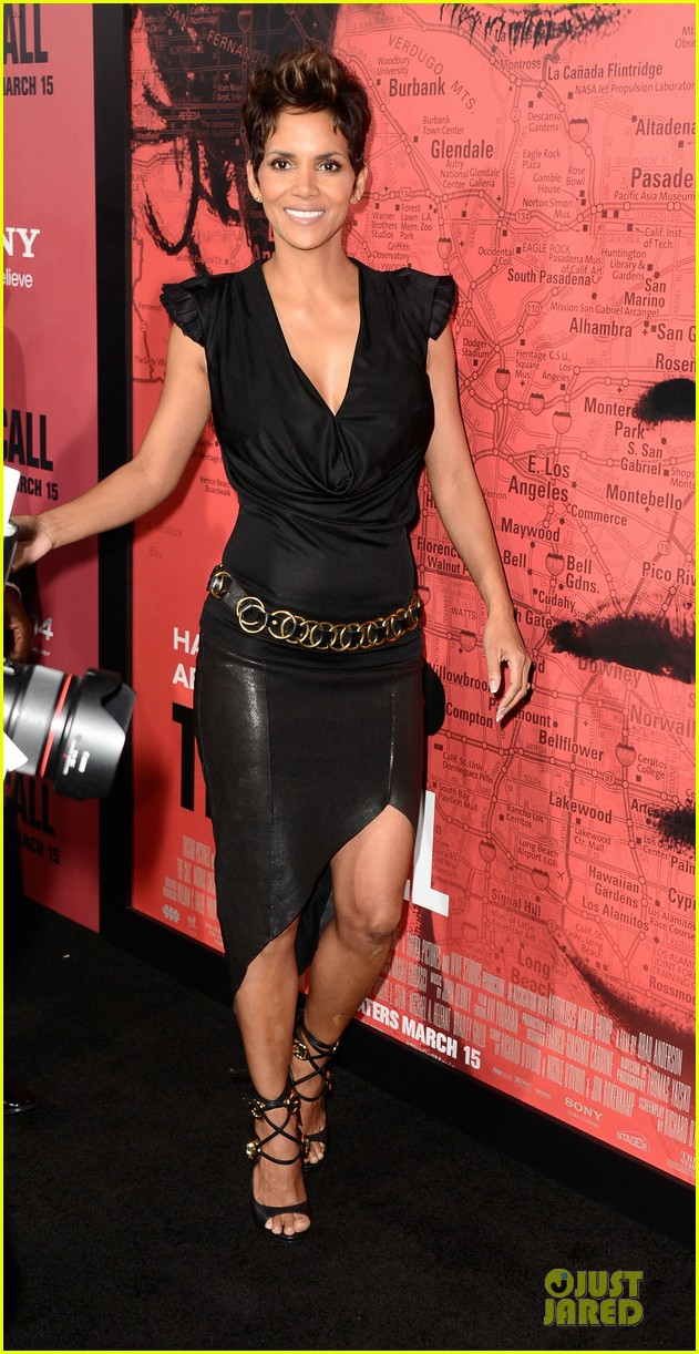 halle berry abigail breslin the call hollywood premiere 112825778