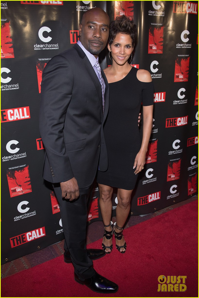 halle berry the call chicago premiere 012822689