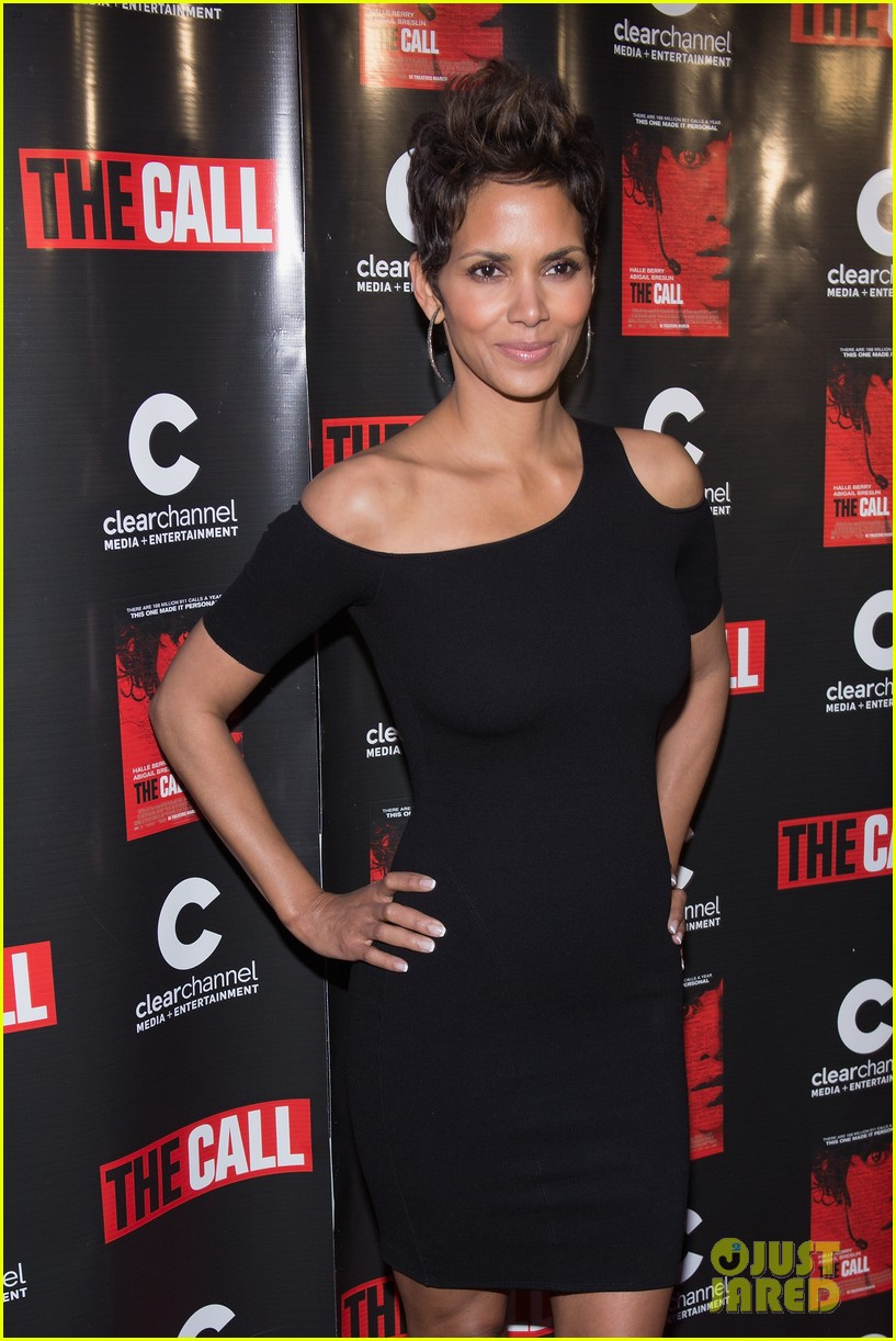 halle berry the call chicago premiere 022822690