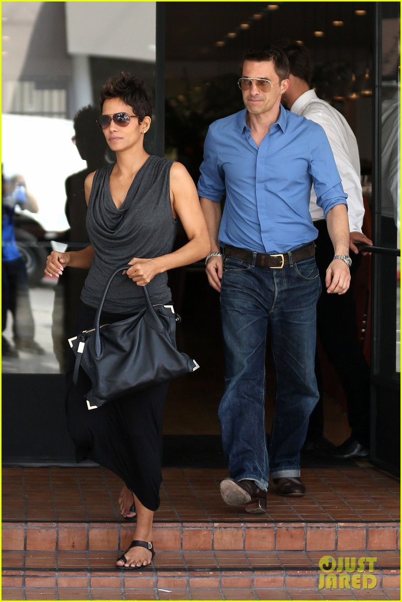 halle berry olivier martinez fig olive lunch 012837581