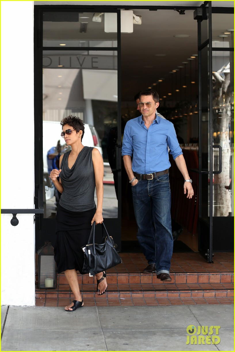 halle berry olivier martinez fig olive lunch 062837586