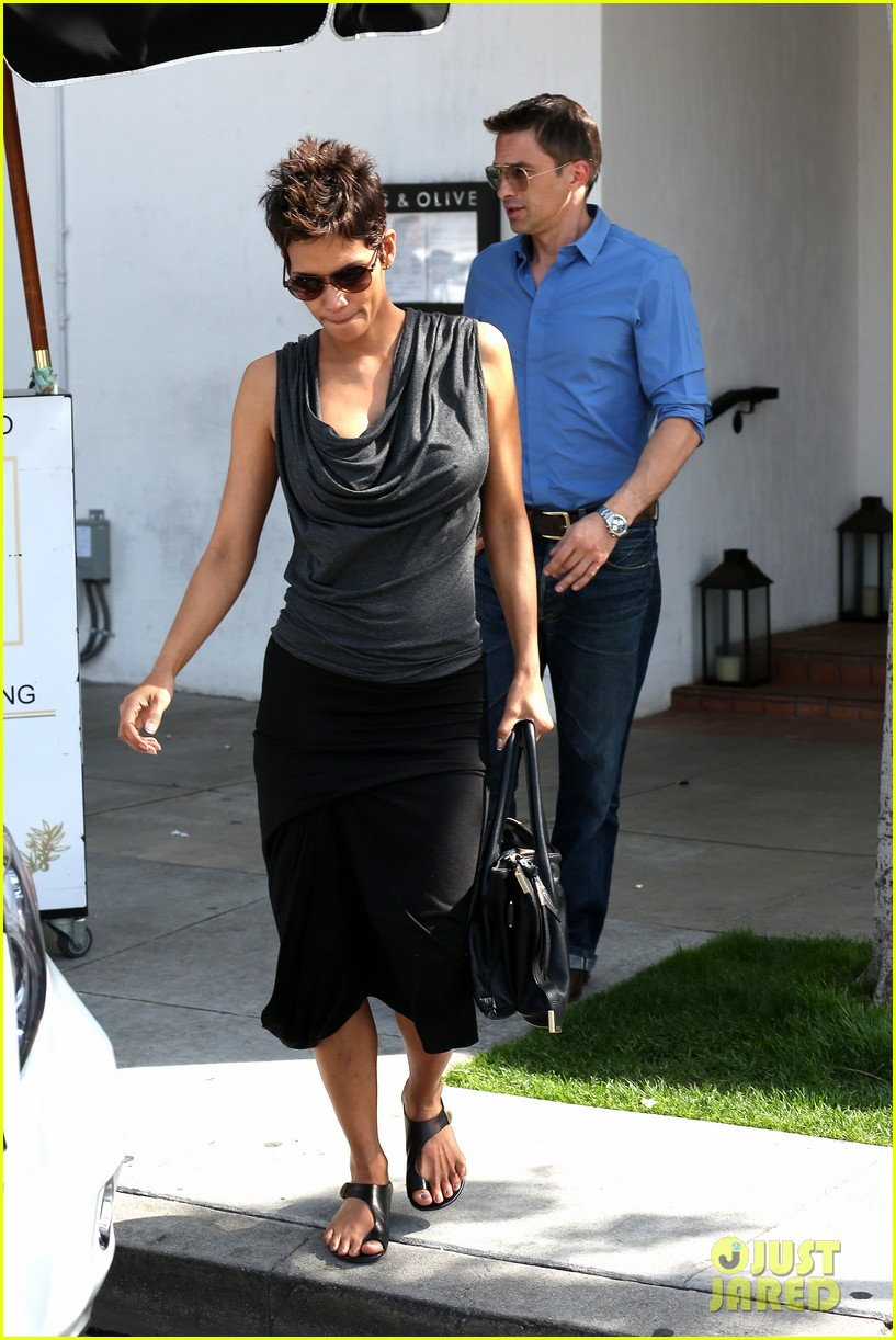halle berry olivier martinez fig olive lunch 13