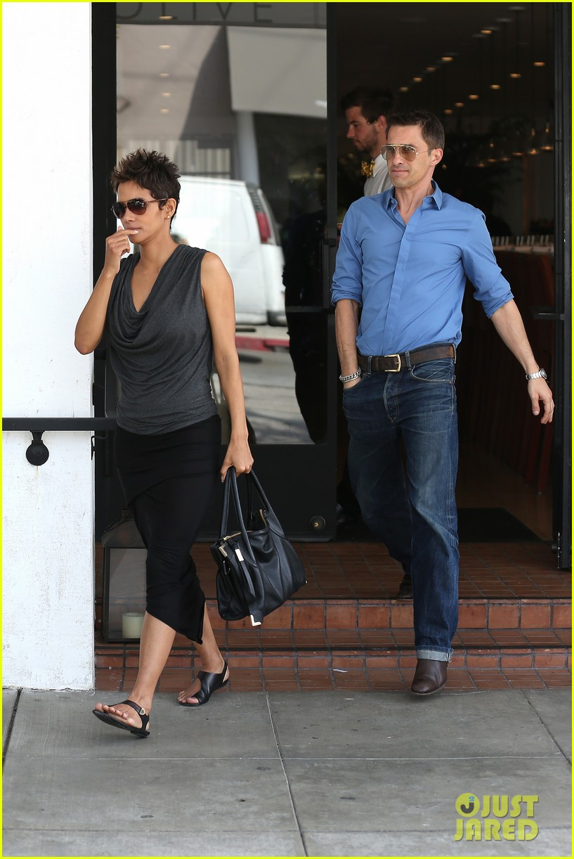 halle berry olivier martinez fig olive lunch 152837595