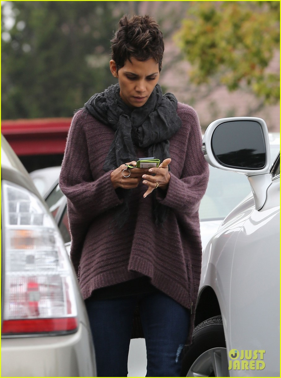 halle berry talks the call poodle hairdo 072834421