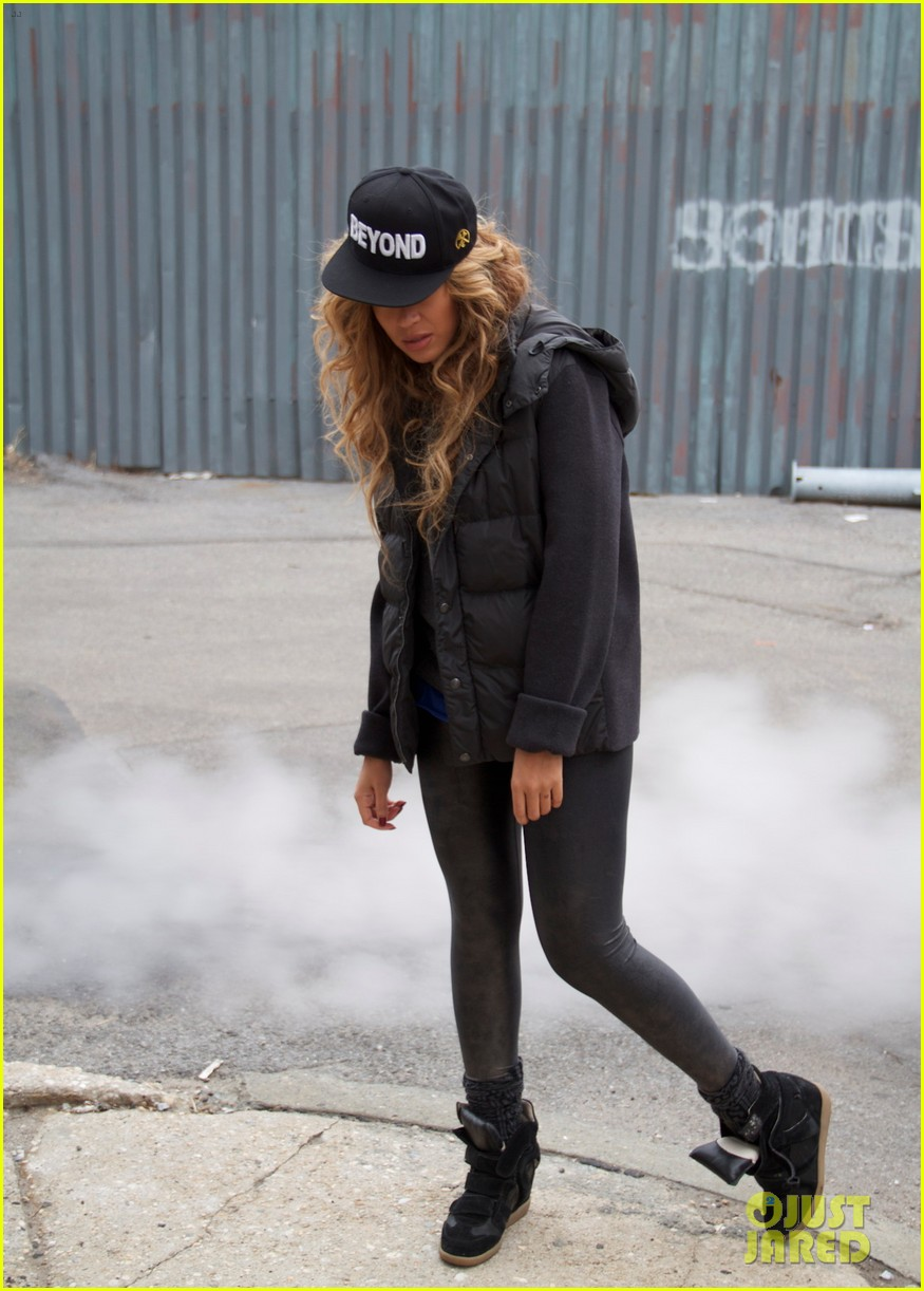 beyonce blue ivy brooklyn lunch pair 01