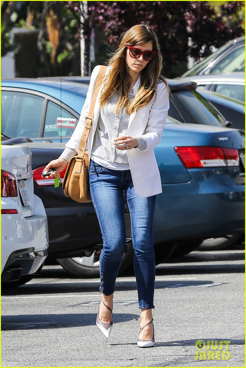 jessica biel justin timberlake to sell 750000 albums 13