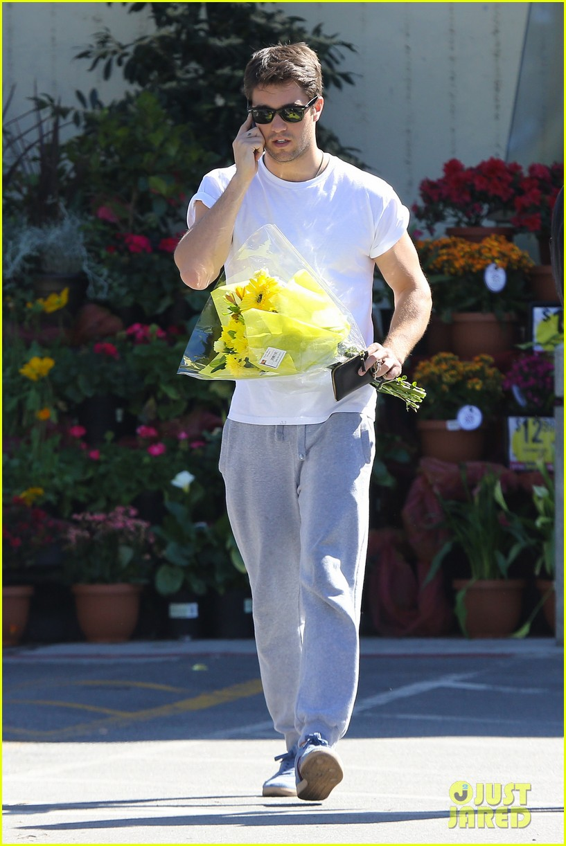 josh bowman flower delivery guy 012829375