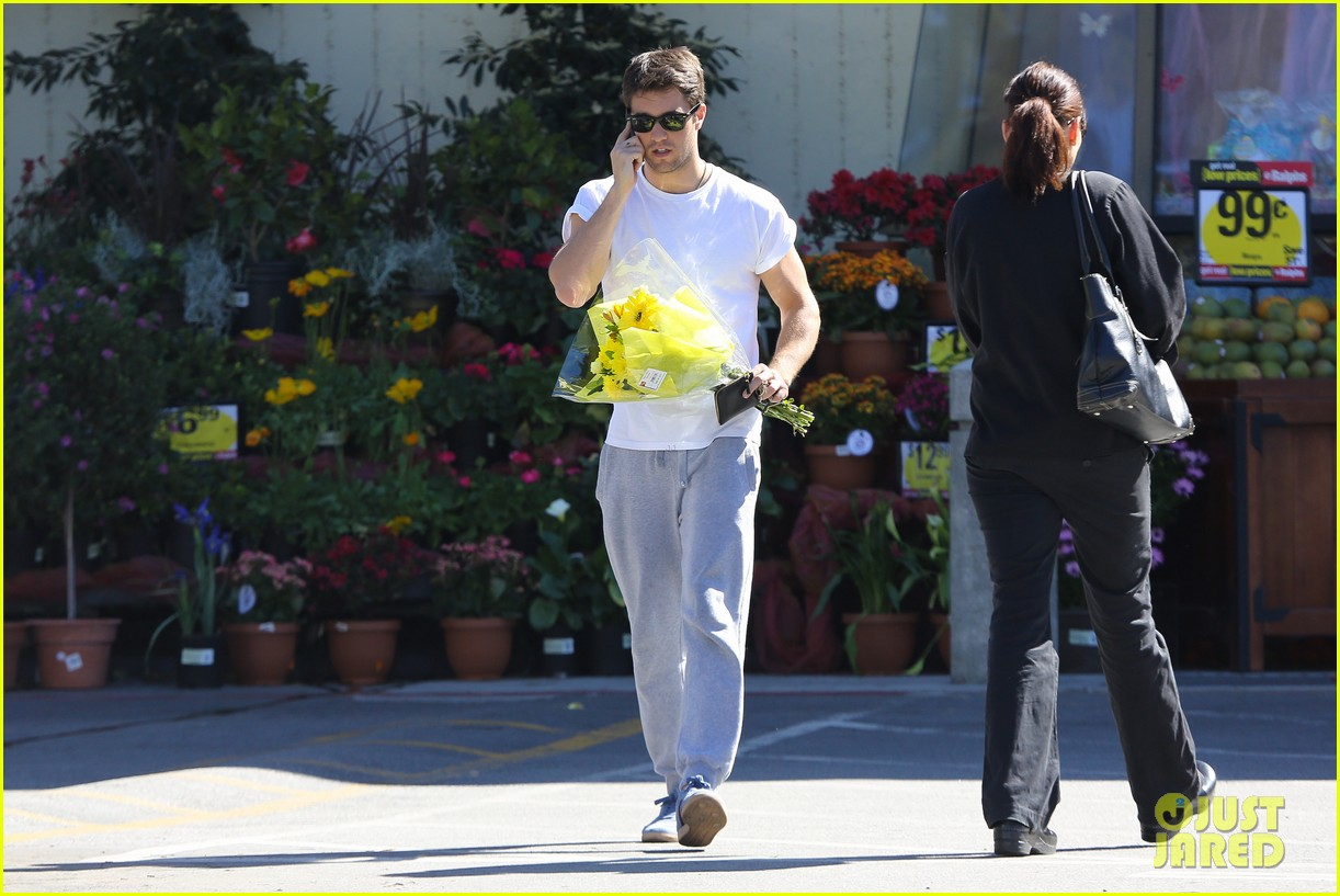 josh bowman flower delivery guy 052829379