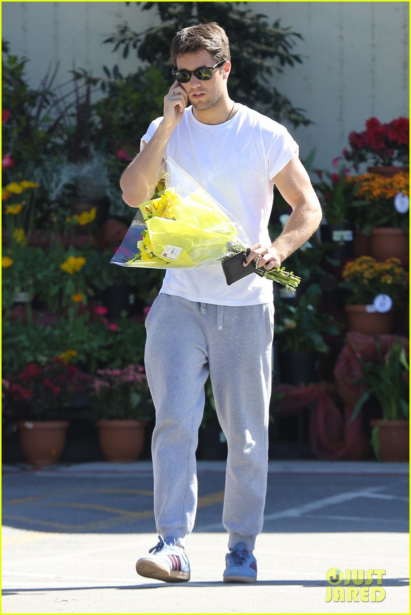josh bowman flower delivery guy 062829380