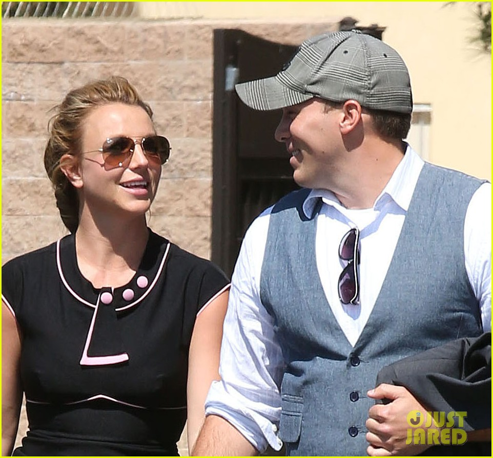 britney spears david lucado holding hands 022835827