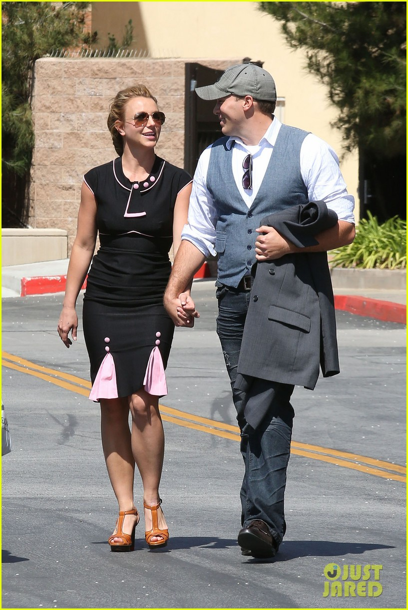 britney spears david lucado holding hands 052835830