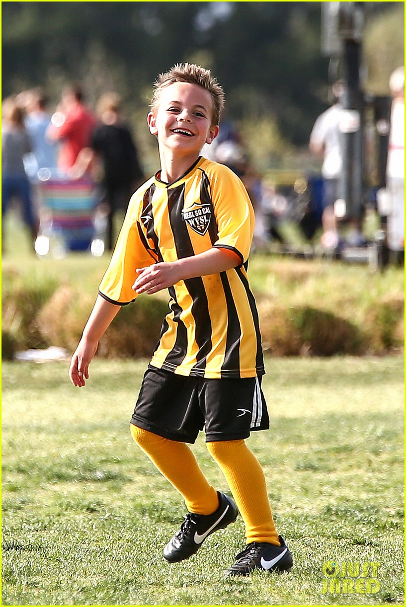 britney spears kevin federline sean preston jayden james soccer games 102825551
