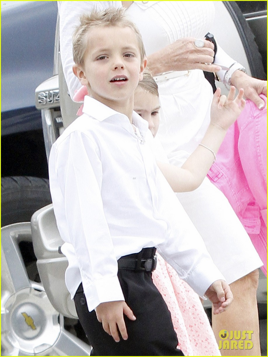 britney spears easter church service with the family 062841057