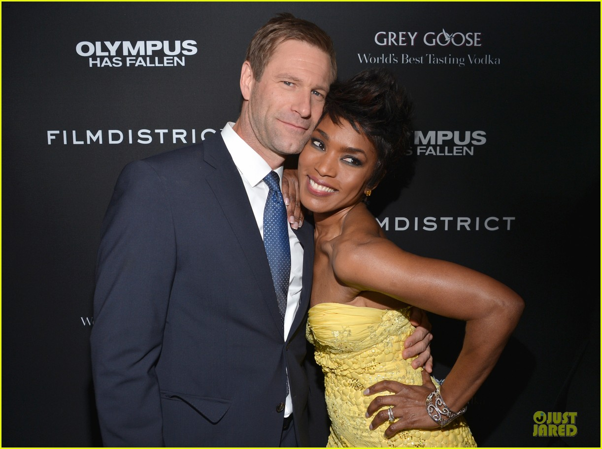 gerard butler olympic has fallen hollywood premiere 042833093