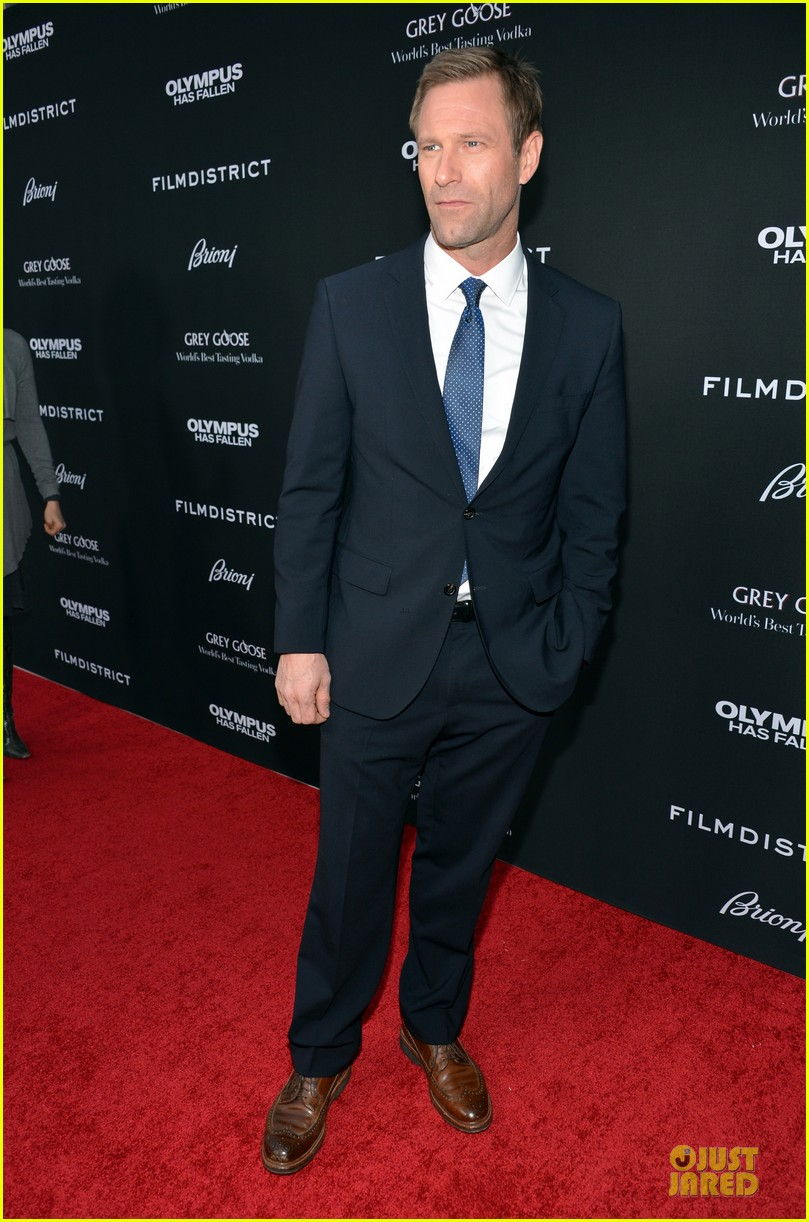 gerard butler olympic has fallen hollywood premiere 072833096