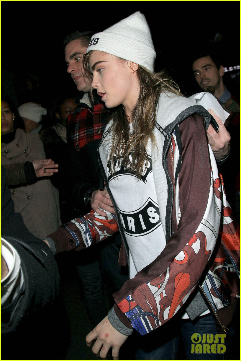 cara delevingne jean paul gaultier fashion show  052824338