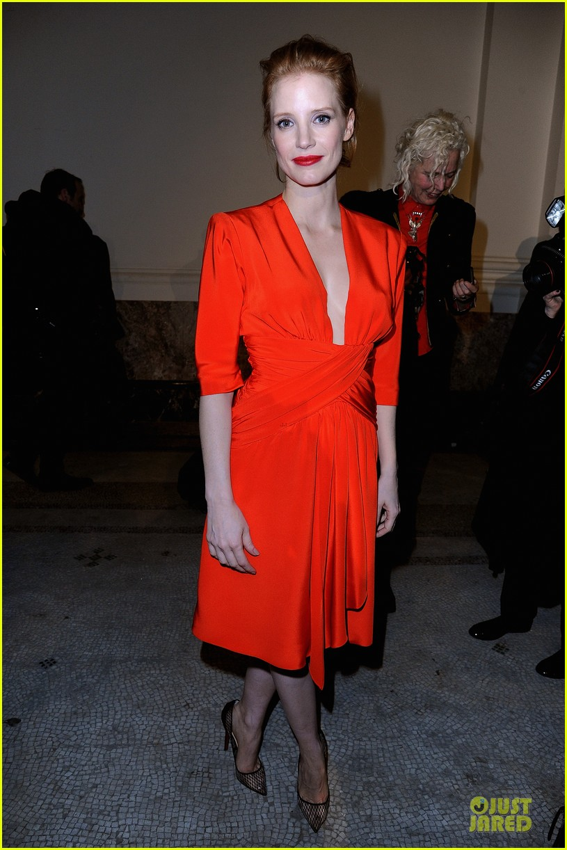jessica chastain saint laurent fashion show 012824962