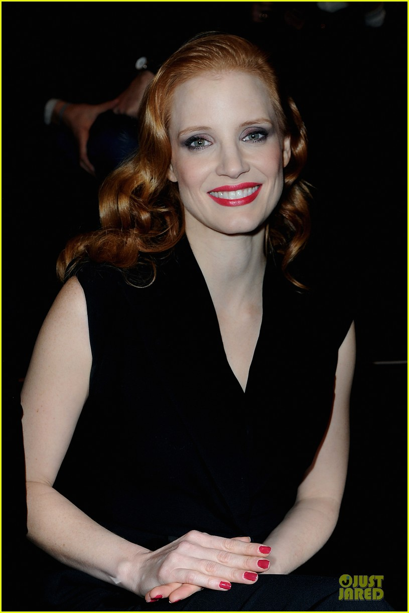 jessica chastain viktor rolf fashion show 22