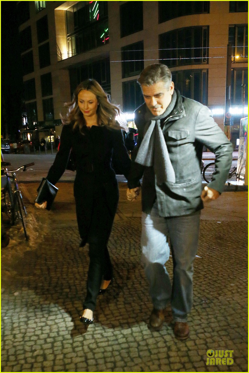 george clooney stacy keibler grille royal dinner with matt damon 062831623