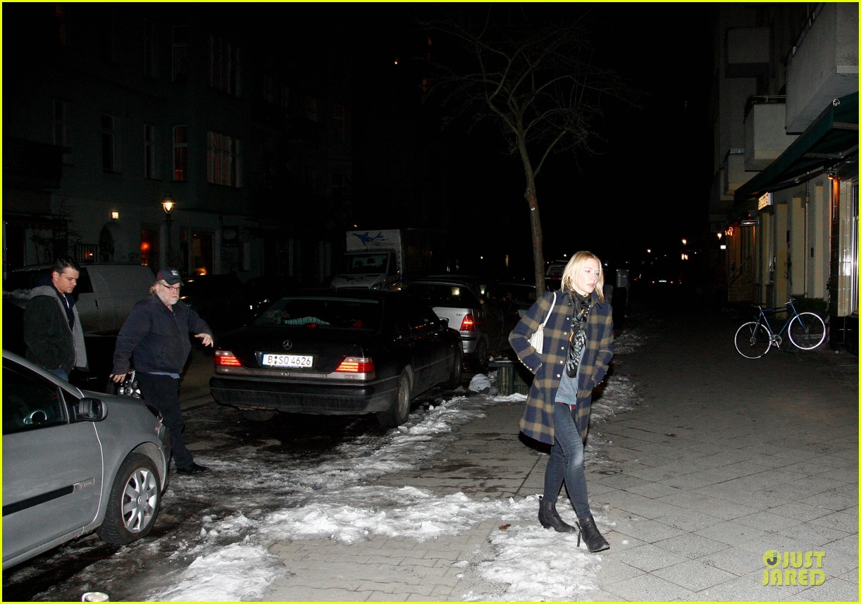 george clooney stacy keibler grille royal dinner with matt damon 082831625